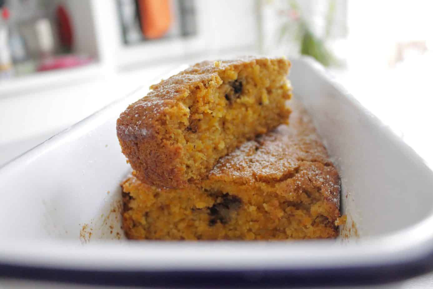 עוגת דלורית, בחושה, פשוטה, טבעונית ומתקתקה