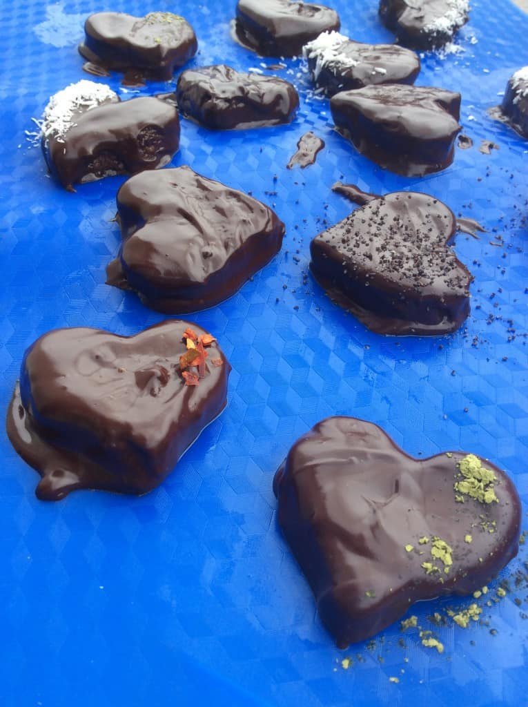 שוקולאבים, לבבות שוקולד ממולאים ומהממים, הכל הכל תוצרת בית!