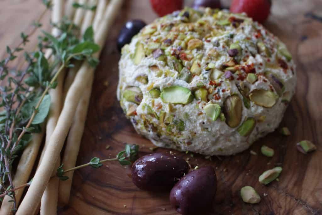 כדור 'גבינה' פרוביוטי, טבעוני, דל בשומן ועשיר בטעם