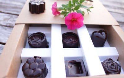 פרלינים טבעוניים, בריאים ומשגעים, עשויים שוקולד טבעי תוצרת בית