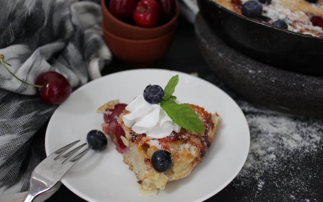 עוגת פירות במחבת – טבעונית, צבעונית וקייצית