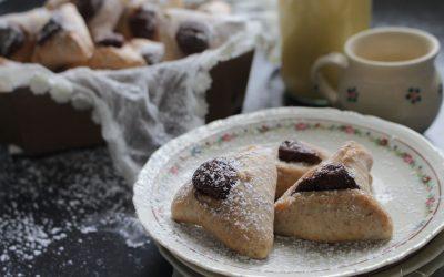 אוזני המן טבעוניות – מקמח כוסמין מלא, במילוי קרם שוקולד ביתי