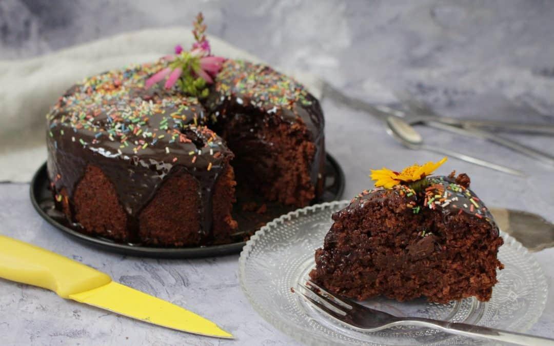 עוגת שוקולד טבעונית – עשויה קמח כוסמין מלא ושוקולד ביתי