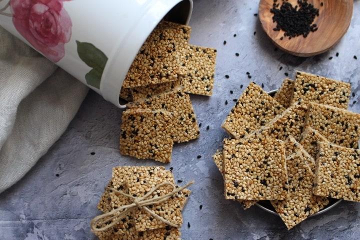 עוגיות שומשום מ 2 מרכיבים בלבד! ללא אפיה, ללא גלוטן, טבעוניות, בהמתקה טבעית