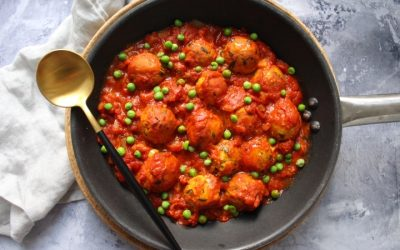 'קציצות עוף' טבעוניות מ 2 מרכיבים – השאר אקססוריז, ברוטב עגבניות ביתי