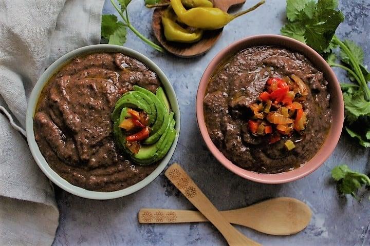 מרק שעועית שחורה מטריף – היישר מקוסטה ריקה החלומית
