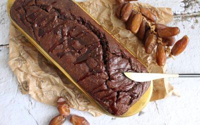 עוגת תמרים טבעונית ללא גלוטן וסוכר! סופר מזינה וטעימה