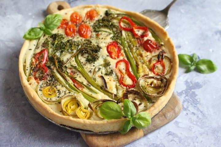 טארט ירקות צבעוני טבעוני ב 10 דקות