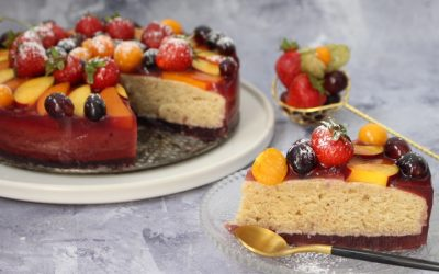 עוגת טורט טבעונית עם מלא ג'לי ופירות