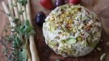 כדור 'גבינה' טבעוני, דל בשומן ועשיר בטעם