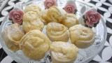עוגיות שושנים טבעוניות ממולאות מקצפת נפלאה